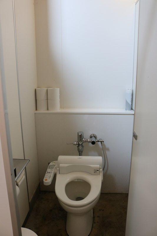 ヘッドクォーターズのトイレ