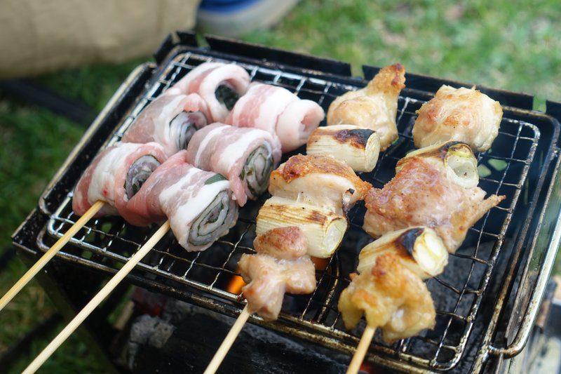 夕食の炭火焼の焼き鳥